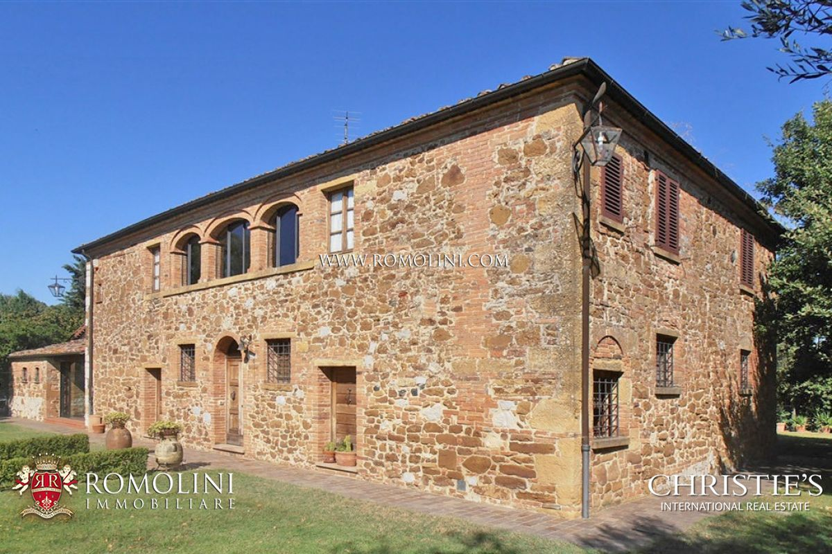 Tuscany farmhouse for sale in siena tuscany a luxury for Sienna house