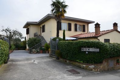 B&B LUCIGNANO: Bed and Breakfast in Vendita, Lucignano, Toscana